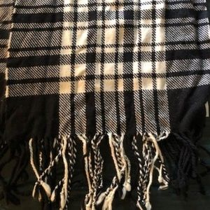 Banana Republic Classic Black & White Wool Scarf